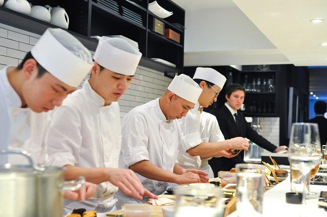 Tuyển nam chế biến Sushi làm việc tại Tokyo